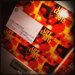 233前の看板:LIFE LOMO 2013公開当時